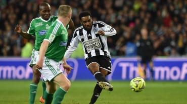 """Okocha: """"En Nigeria, el fútbol une al país"""""""