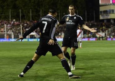Real Madrid vence al Rayo Vallecano y no le pierde la pista al Barcelona