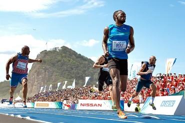 Usain Bolt retornó con triunfo en 200m