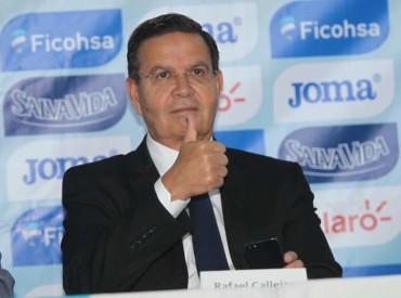 Rafael Callejas, fue presentado como nuevo miembro del Salón de La Fama