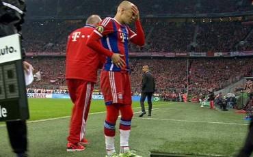 Robben reaparece y se lesiona de nuevo