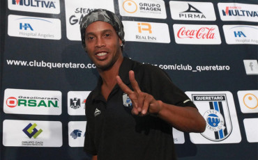 Ronaldinho no se retirará a final de temporada