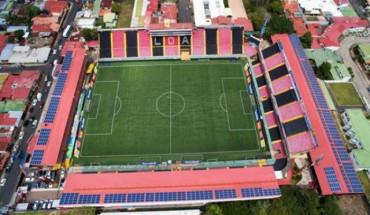 Costa Rica cuenta con el primer estadio del continente que funciona 100% con energía solar