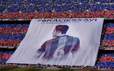 Gran mosaico homenaje para despedir a Xavi del Barça