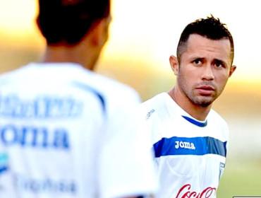 Alfredo Mejía espera demostrarle a Pinto por qué juega en Europa