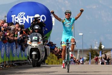 Landa ganó etapa 16 del Giro, Contador es líder