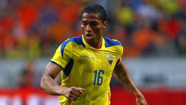 Valencia, baja con Ecuador por una operación