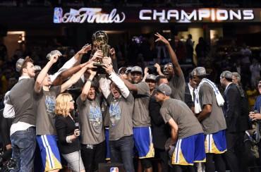 Warriors se coronaron campeones en la NBA 40 años después