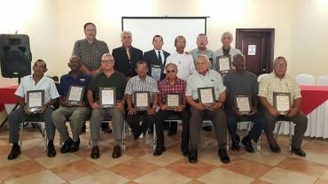 Ex jugadores del Vida fueron homenajeados por la Liga Nacional