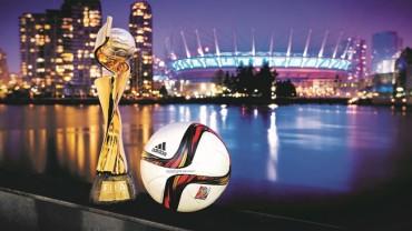 Presentan el balón oficial de la final del mundial femenino de Canadá 2015
