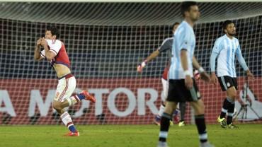 Argentina fue sorprendida en su arranque de la Copa América