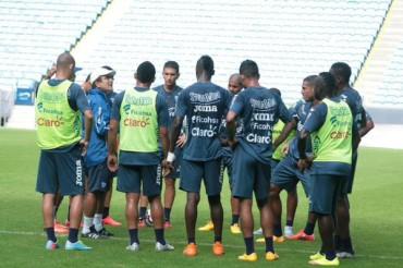 Jorge Luis Pinto sigue afinando detalles para su debut en la Copa Oro