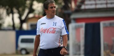 """Jorge Luis Pinto: """"Sacamos cosas importantes ante El Salvador"""""""