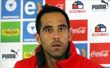 Claudio Bravo pide a Arturo Vidal que sea humilde