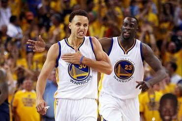 Curry acercó al título de la NBA a los Warriors