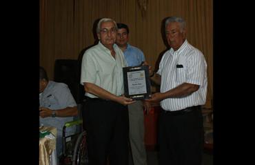 Liga Nacional siguiendo con los homenajes alusivos a viejas figuras