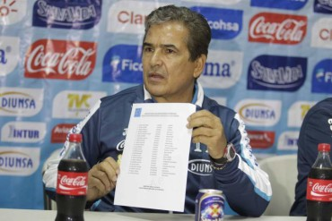 Jorge Luis Pinto ofreció lista definitiva de Honduras para la Copa Oro