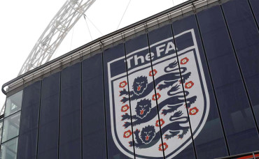 Federación inglesa 'celebró' renuncia de Blatter