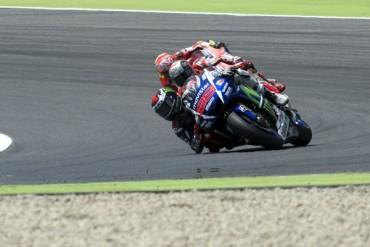 Lorenzo sumó tercera victoria consecutiva en Italia
