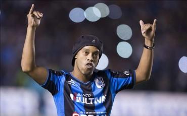 Ronaldinho, con las horas contadas en el Querétaro