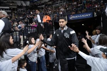 Tim Duncan no se retira y seguirá en los Spurs