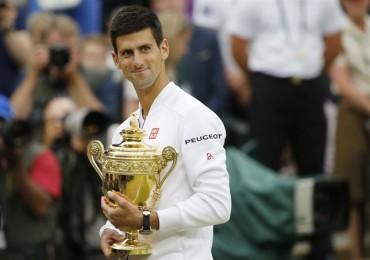 Djokovic venció a Federer, refrendó título de Wimbledon