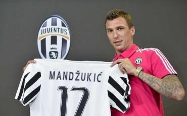"""Mandzukic llega a la Juventus """"sin presión"""" por sustituir a Tévez"""
