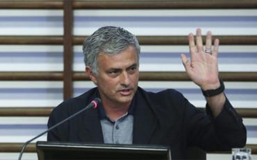 Mourinho confirma la venta de Filipe Luis