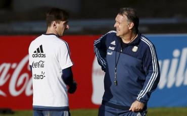"""Martino: """"Sería una desilusión que Messi dejase la selección"""""""