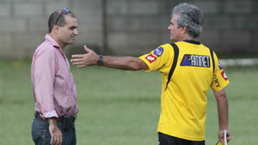 """Fuad Abufele: """"Tenemos que salir de ese bache"""""""
