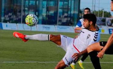 Jona Mejía tuvo un partido aceptable en el empate ante Gimnàstic