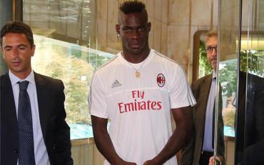 Mario Balotelli firma con una cláusula 'anti-escándalo'