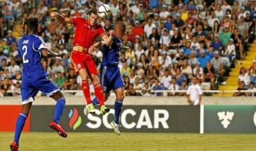 Bale prolonga el milagro de Gales