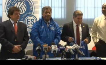 Ramón Maradiaga es presentado como nuevo entrenador de El Salvador