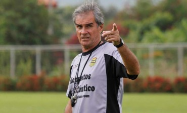 Directiva Aurinegra le da su voto de confianza al DT Mario Zanabria