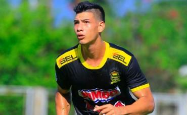 Jeffriy Flores fue operado de ligamentos cruzado