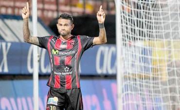 """""""Chino"""" Discua, anda encendido en el fútbol de Costa Rica"""