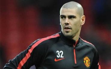El Manchester United deja fuera a Valdés de la lista de la Champions