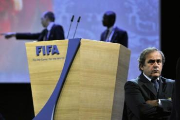 Platini abrió una oficina en París con los dos millones de Blatter