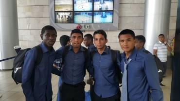 Con sus rostros tristes llegaron al país los jugadores de la Sub-17