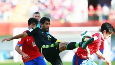 México remonta para despedir a la anfitriona del Mundial de Chile 2015