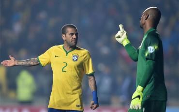 """Dani Alves: """"No soy el dueño de la posición de lateral en la selección de Brasil"""""""