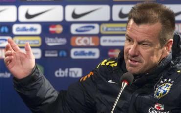 Dunga responde a las críticas Ronaldo y Romario