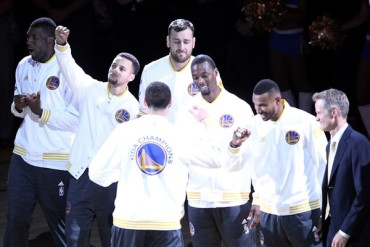 Triunfo en debut, presagio de campeón en NBA