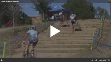 Subida escalera en ciclocross