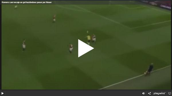Romero casi encaja un gol haciéndose pasar por Neuer