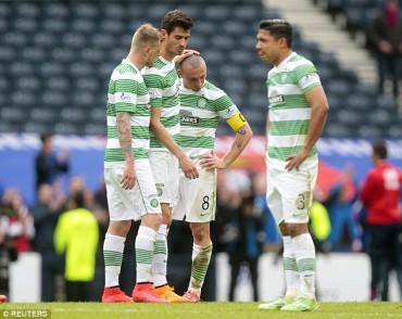 Emilio Izaguirre con el Celtic empataron de local ante el Kilmarnock