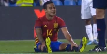 VIDEO: Thiago Alcántara, sustituido por molestias en la rodilla