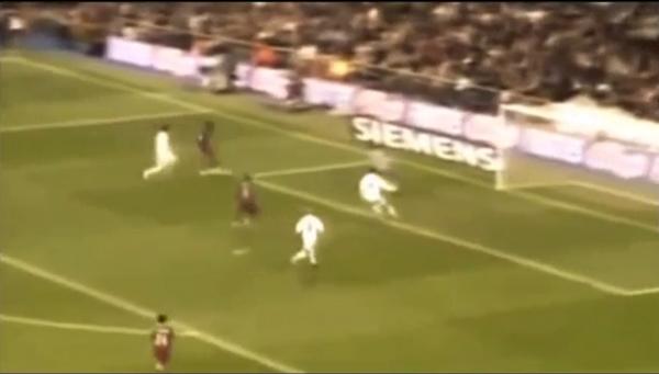 VIDEO: El día en que el Bernabéu aplaudió a Ronaldinho
