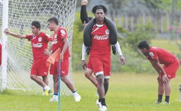 Carlos Costly debutará mañana con Olimpia en la Copa Presidente